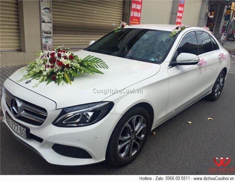 Cho thuê xe cưới - Mecedes C200