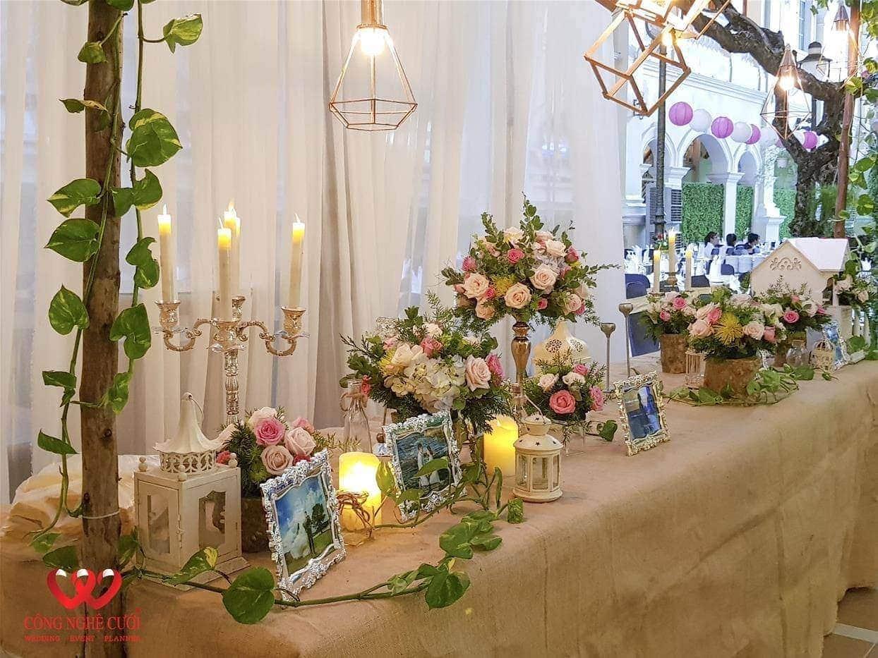 Trang trí bàn gallery Mộc đám cưới