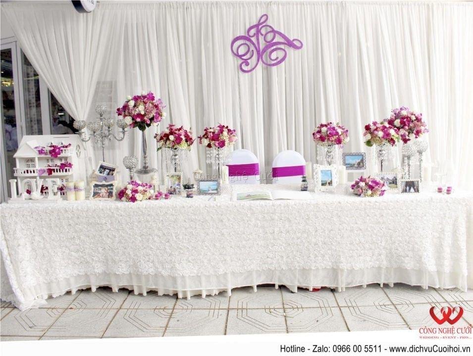 Trang trí tiệc cưới trọn gói tông màu tím- Bàn gallery