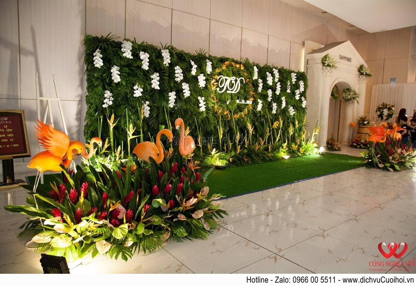 Trang trí backdrop chụp ảnh tiệc cưới Tropical