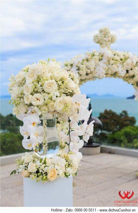 Tổ chức trang trí lễ cưới ngoài trời