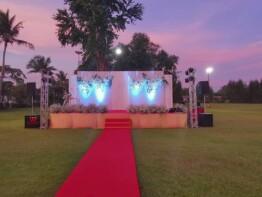Trang trí lắp sàn sân khấu
