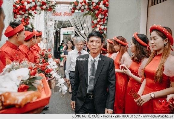 Họ nhà trai ra về hẹn gặp lại vào ngày cưới