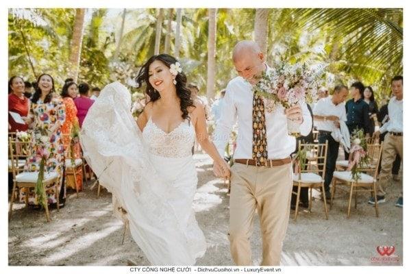 Đám cưới 100 khách của cặp đôi việt kiều mỹ tại Tiềng Giang