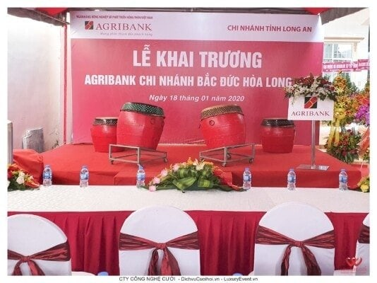 Tổ chức lễ khai trương CN Agribank Đức Hòa