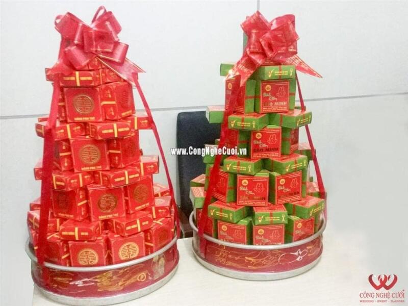 Mâm quả bánh cốm xếp tháp