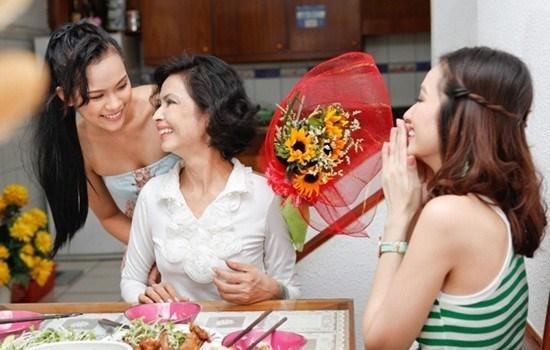 Cách ứng xử trong gia đình chồng
