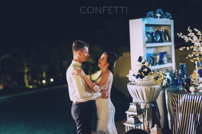 Tiệc cưới màu gốm sứ