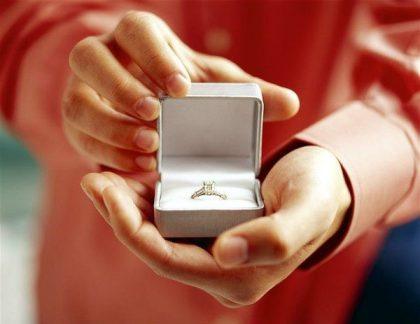 Những cách cầu hôn lãng mạn đốn tim nàng