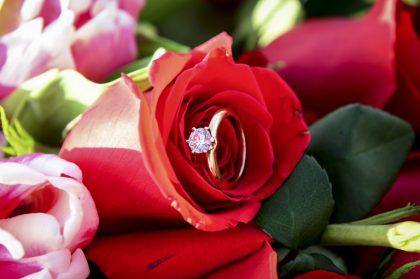 Màn cầu hôn ngọt ngào, chân thành luôn là điều bất cứ cô gái nào cũng mong muốn được nhận.
