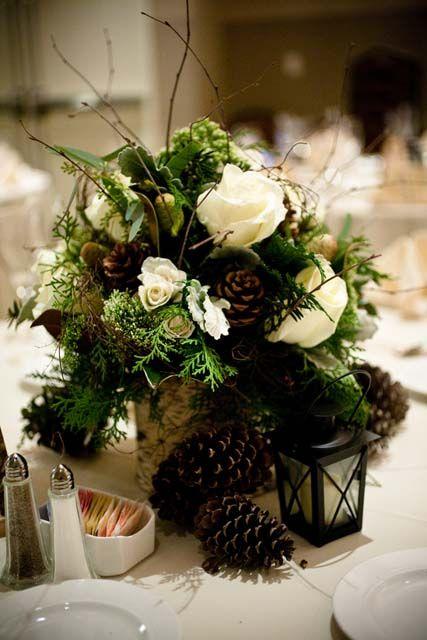 Hoa cưới để bàn mang phong cách mùa đông