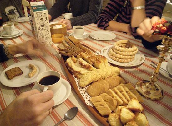 Ăn bánh, uống cà phê fika