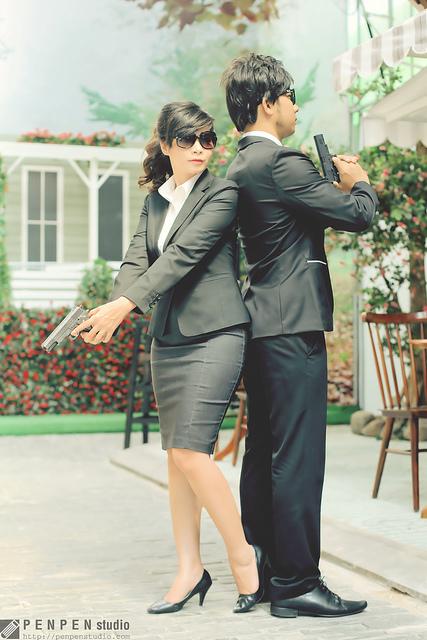 Bộ ảnh cưới nhái phim hành động độc đáo ở Sài Gòn