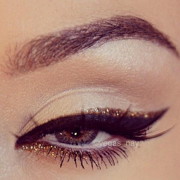 golden-glitter-eyes