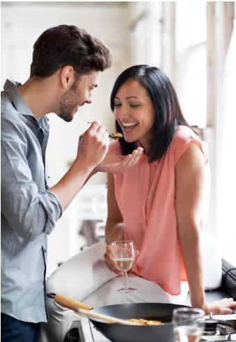 Không nên quá thân mật với chồng sắp cưới khi ra mắt nhà chồng