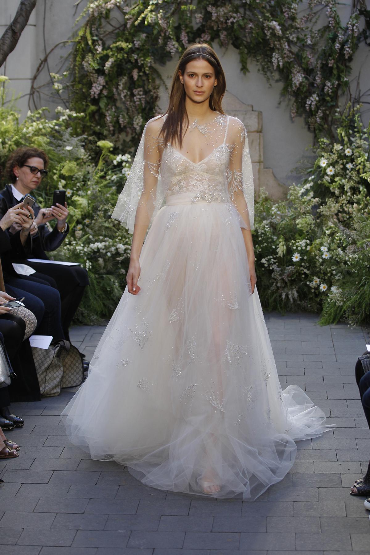 May váy cưới: Vải Tuyn