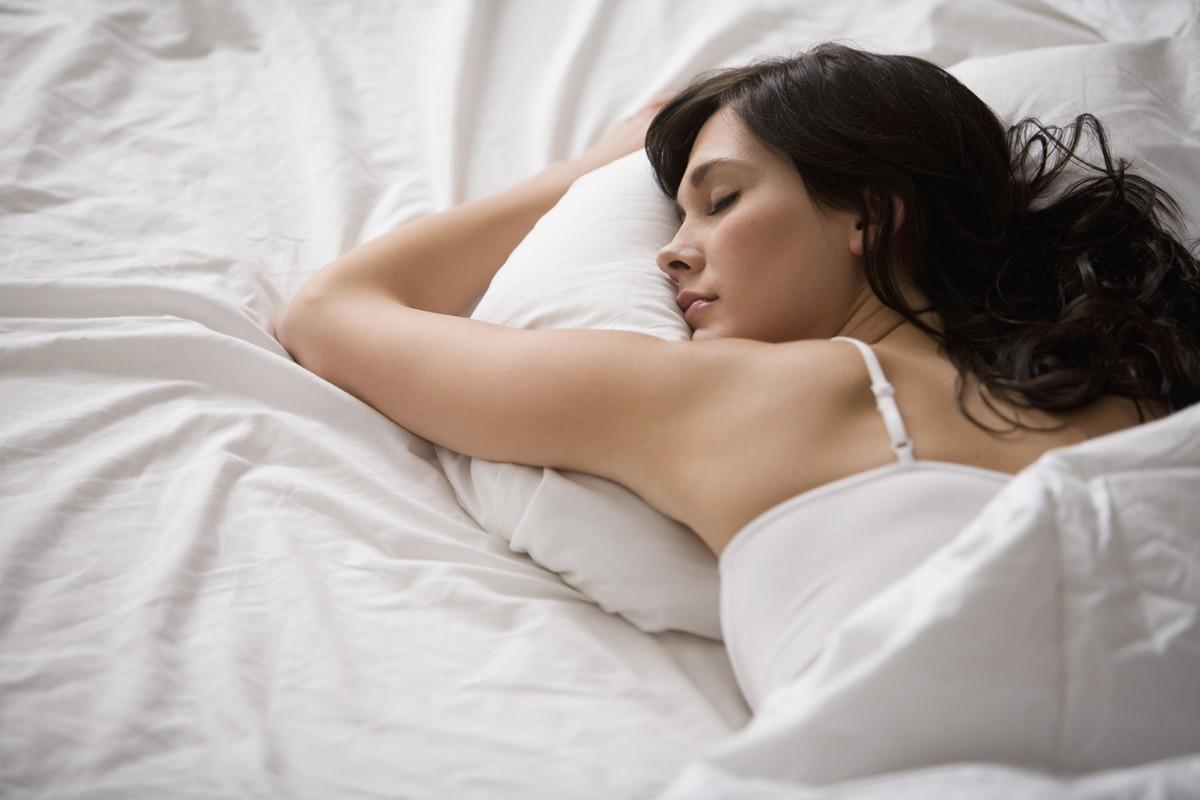 Thả tóc trong khi ngủ
