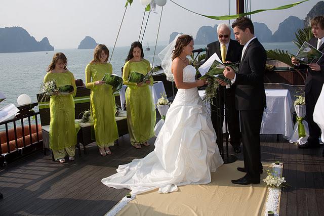 Đám cưới trên sông