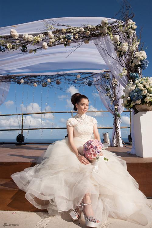 Cô dâu phong cách cổ điển lãng mạn