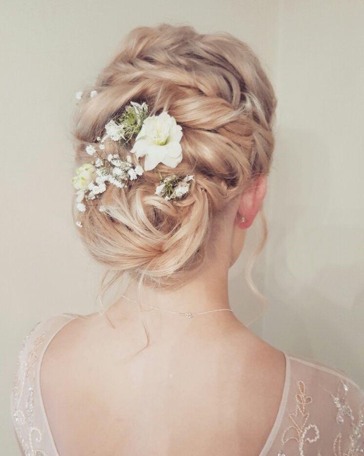 Tóc cô dâu dễ thương hơn