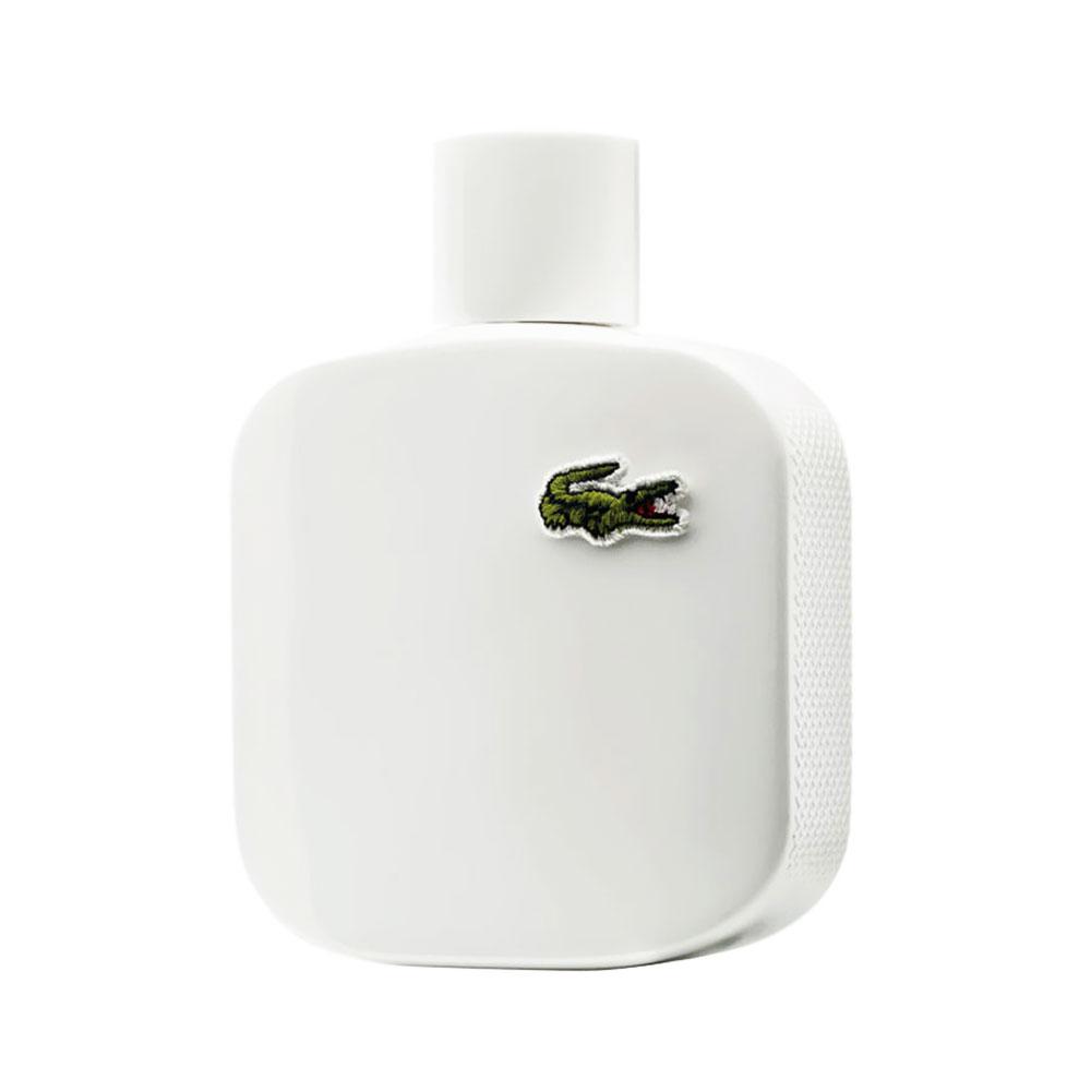 Thương hiệu thể thao Lacoste tự hào góp mặt vào danh sách này với chai Eau de Lacoste White dành cho nam với mùi hương khỏe khoắn, năng động.