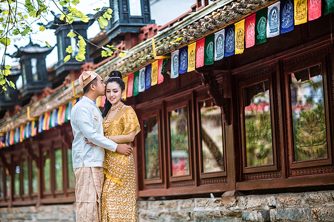 [Caption]Trước đó, cả hai đã chọn Ninh Bình để thực hiện bộ ảnh cưới trong trang phục Burmese truyền thống.