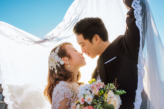 ủ nhân của bộ ảnh cưới đốn tim này là cô dâu Nguyễn Thị Thu Thảo và chú rể Hoàng Văn Tiệp. Cả hai đều là bác sĩ tại thành phố Wels, Áo.