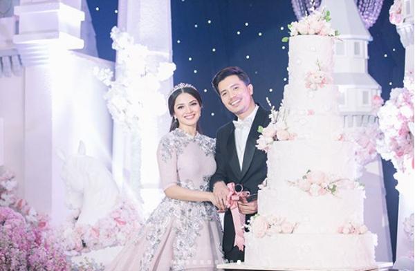 Trên trang cá nhân, nữ diễn viên Nur Fazura cho biết cô đã có một buổi hôn lễ trong mơ, được sống trong không gian cổ tích ngập tràn tình yêu và những lời chúc tốt đẹp.