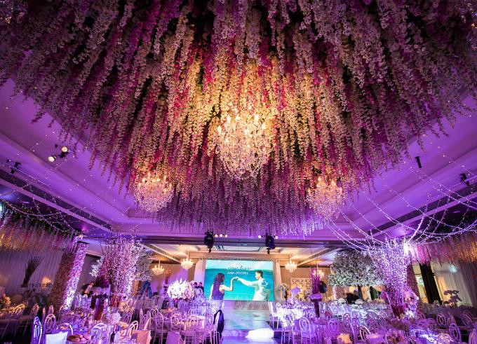 Được tổ chức tại Sydney, Australia, tiệc cưới của Aysha và Salim đã khiến cả thành phố chú ý - Vesna Grasso, người thực hiện hôn lễ cho biết. Mềm mại, lãng mạn, sang trọng và quy mô là những tính từ mà vị chuyên gia sử dụng để miêu tả về đám cưới này.