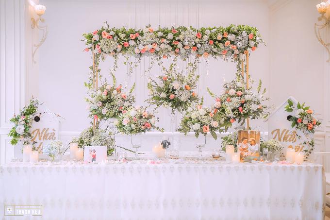 Bàn lễ tân do Trống Đồng Wedding Planer thực hiện. Ảnh: Thành Kều Media