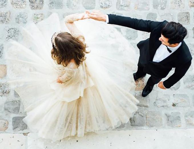 14 cách tạo dáng giúp cô dâu chú rể có những bức ảnh xuất thần - 3