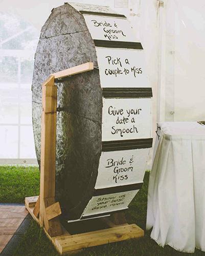 Vui nổ trời với các trò chơi trong tiệc cưới - 1