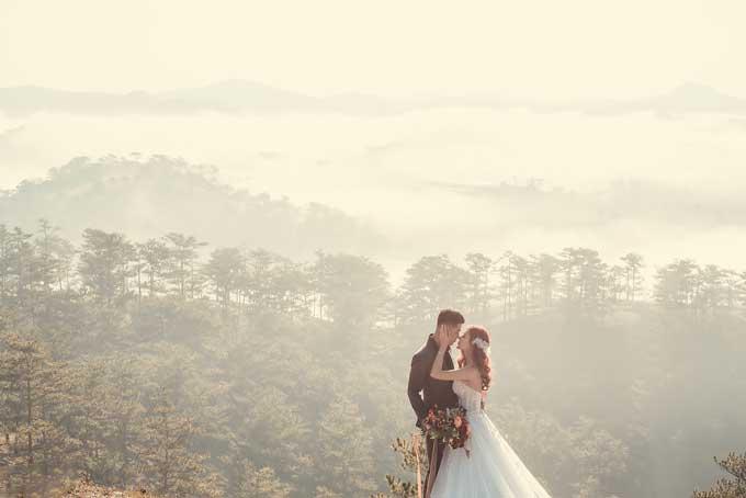 Khoảng thời gian 4 năm trước khi chính thức tổ chức lễ cưới, Quế Ngân và Trọng Đức chưa từng xảy ra xung đột. Đức luôn chăm sóc, chiều chuộng Ngân.