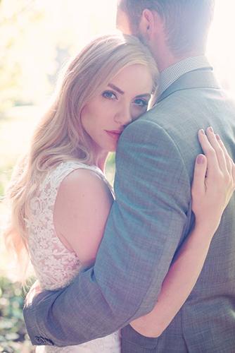 14 cách tạo dáng giúp cô dâu chú rể có những bức ảnh xuất thần - 7